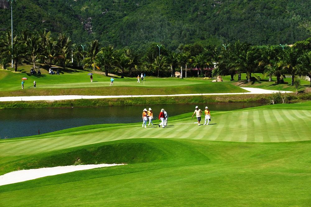Trải nghiệm sân golf 27 lỗ đẳng cấp 5 sao tại Vinpearl Phú Quốc